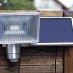 Die macht von selbst das Licht an – Bewegungsmelder-Solarlampe im Praxistest: Brennenstuhl SOL 80 1170840