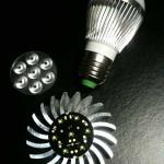 LED-Chip mit 7 LEDs auf Kühler montiert