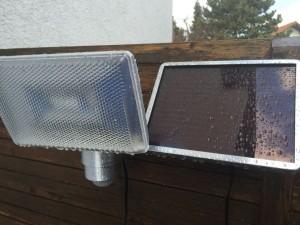Wassertropfen auf Solarmodul und Leuchtmodul